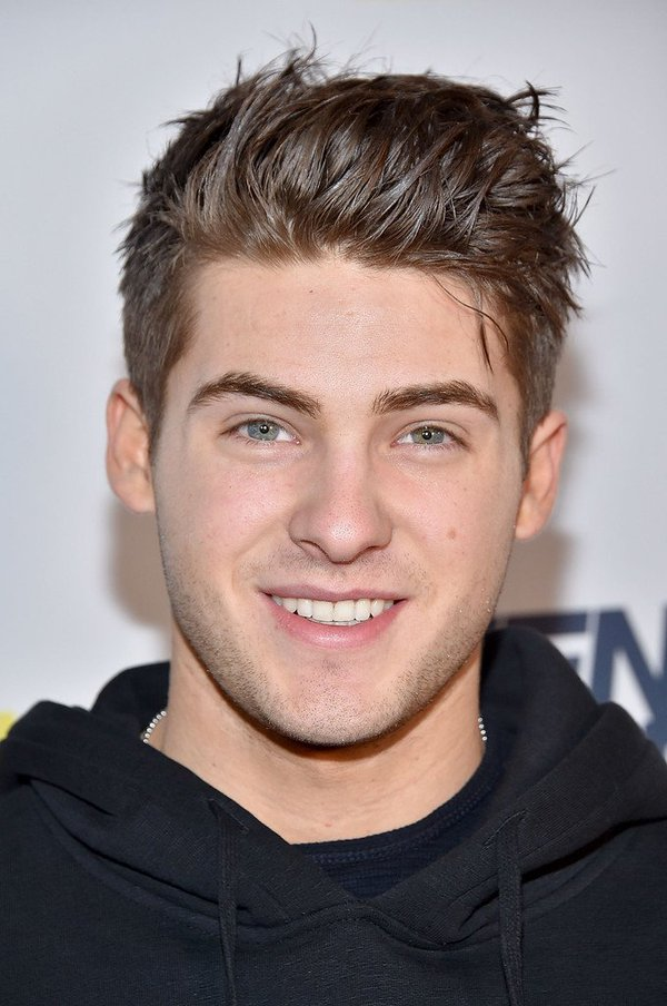 cody christian dating site +18: ator cody christian metendo o dedo no cu / 18+: our friend the queen is back @nickiminaj with two new singles itunes: #chunli: https.